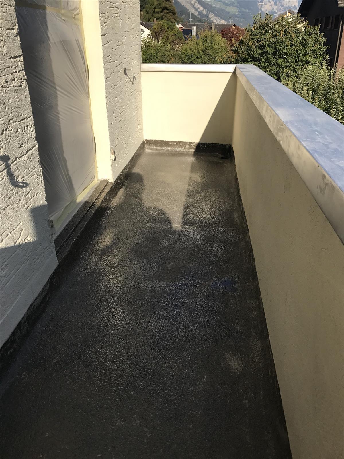 Sehr Balkon- & Eingansdachabdichtung aus Flüssigkunststoff - Ackermann GI56
